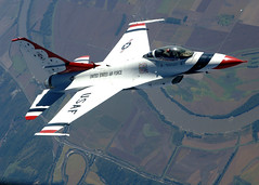 [フリー画像] [航空機/飛行機] [サンダーバーズ] [戦闘機] [F-16 ファイティング・ファルコン] [F-16 Fighting Falcon]      [フリー素材]