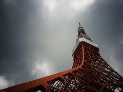 16202 : Reach to the sky (sakura_chihaya+) Tags: red cloud tower photoshop tokyo explorer gray tokyotower gr   summervacation2009 lightroom24
