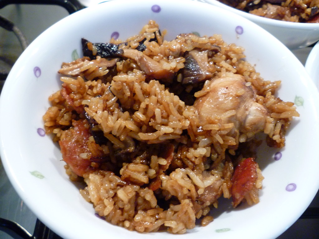 Improvised Claypot Rice (using Rice Cooker)