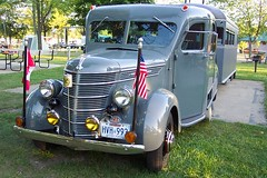 100_2654 (terrybone) Tags: vintage rally trailer rv curtis tincantourists 2009fallgathering