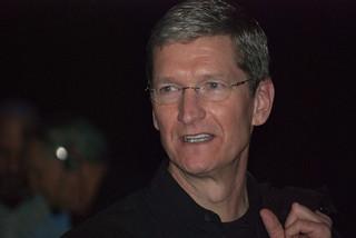 Tim Cook iPhone con schermo più grande