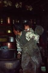 Home in Rachu (reurinkjan) Tags: 2002 yak nikon tibet everest dri nomads rachu herdsman tingri jomolangma drokba lammala janreurink brogpa phyugsrdzi norrdzi བོད། བོད་ལྗོངས།