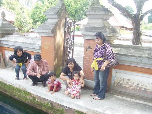 lg liat ikan di pura lingsar lombok
