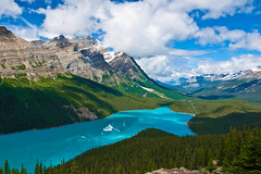 Peyto Lake in Banff National Park, in the Canadian Rockies... (pa_cosgrove) Tags: blue sky mountain lake canada mountains nature skyline clouds landscape rockies nationalpark aqua alberta banff banffnationalpark peytolake canadianrockies canoneosd60 sigma20mm potogold theunforgettablepictures
