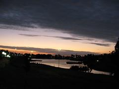 Lago do Silvrio (Beijs) Tags: gua lago cu preto nuvens luzes reflexos anoitecer