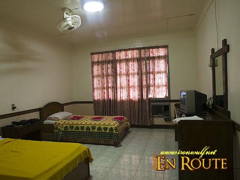 Beachside Inn Room