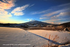 Iwaki Mountain (Hirosaki Japan).  Glenn Waters.)  2,800 visits to this photo. Thank you. (Glenn Waters in Japan.) Tags: sky mountain snow japan clouds volcano amazing nikon dusk aomori excellent  hirosaki fabulous     japon f28    appletrees       anawesomeshot d700 citrit nikond700 1424mm goldstaraward  glennwaters nikkorafs1424mmf28 90march7th 94march25th