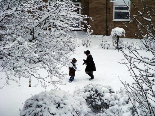Snow in London: a pleasure for the children