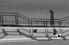 sombras (Eliel Freitas Jr) Tags: minasgerais brasil bh editada urbanidades cruzada sonya100 ltytr2 ltytr1 ltytr3 ltytr4 ltytr5 a3b artlegacy elielefj bestcapturesaoi elitegalleryaoi