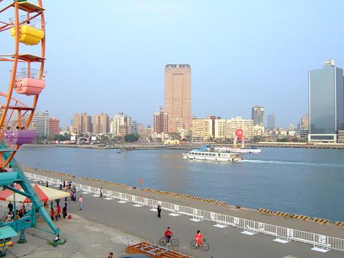 高雄市自行車道_西臨港線_74_漢神百貨大樓