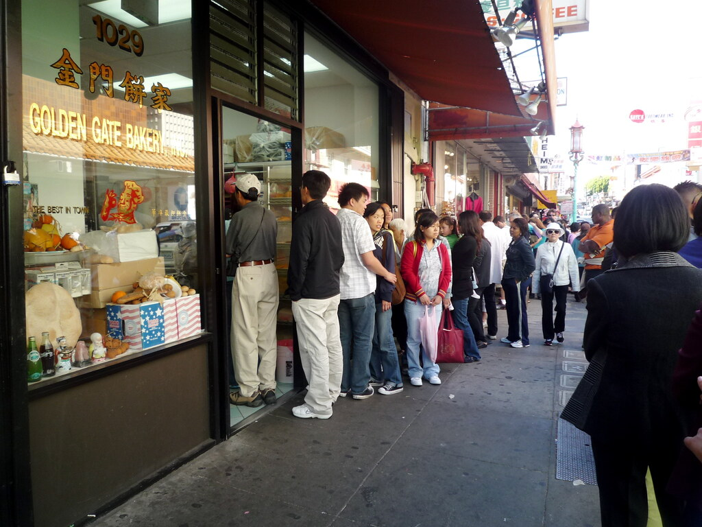 The queue at Golden Gate Bakery