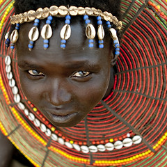 Pokot girl with beaded necklace - Kenya (Eric Lafforgue) Tags: africa portrait people face collier necklace beads kenya culture tribal human tribes bead afrika tradition collar tribe ethnic tribo gens visage headdress afrique headwear ethnology headgear tribu eastafrica 7301 beadednecklace coiffe qunia lafforgue ethnie ethny  qunia    beadsnecklace kea    humainpersonne a