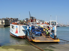 Cowes Chain Ferry, Isle Of Wight (andyc20050) Tags: water ferry boat ship bluesky isleofwight solent medina cowes wight eastcowes floatingbridge chainferry westcowes