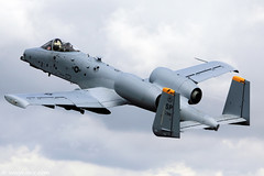 USAF A-10 Thunderbolt II, aka the Warthog RIAT 2009 (xnir) Tags: tattoo canon photography eos israel is photographer force aircraft aviation air united royal international ii states usaf 2009 warthog a10 nir thunderbolt 30mm gatling  100400l benyosef 100400 gau8a fairchildrepublic xnir  photoxnirgmailcom