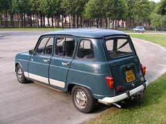 Renault R4 Clan (gueguette80 ... Définitivement non voyant) Tags: old blue cars renault bleu autos clan 4l classiccars r4 bleue anciennes bluecars
