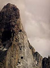 el petit dru    _005 r (tomas meson) Tags: dru mountain snow alps montagne alpes landscape climb nikon d70 nieve via mount climbing alpinismo chamonix alpi escalada montblanc oeste valle amricaine ouest directe lafaille effondrement boulement petitdru tomasmeson caraoeste directaamericana ladirecteamricaine