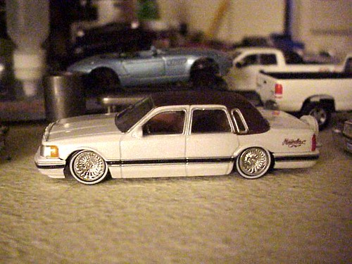 Jada Toys 1990 Lincoln Town Car Lowrider A Photo On Flickriver