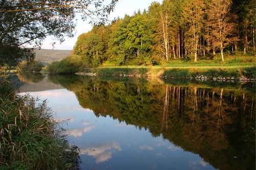 Camping direkt an der Donau; Stellplatz Wagenburg in Hausen