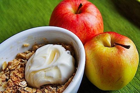 Apple-Crisp-Creme-Fraiche.jpg