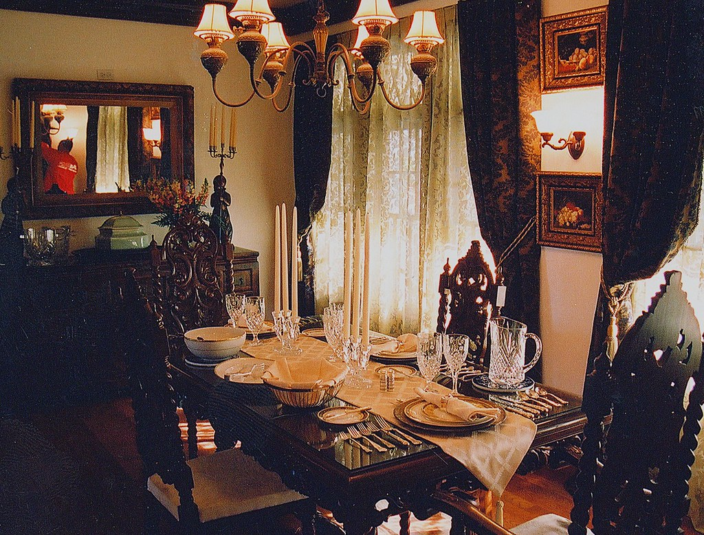 Traditional Estate Dining Room Set for LOST, Rick Romer, Set Decorator