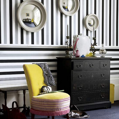 lovely b&W&G& yellow interior