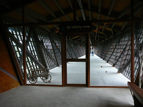 Entrance to... Infinity room!