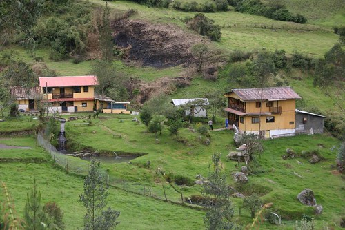 Maria Judith and husband Miguel´s lovely piece of land in Zhud, Ecuador...