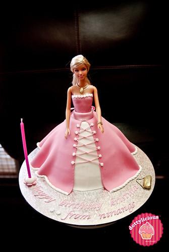 Dottylicious - Barbie cake