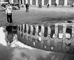 Foto al colosseo (giuseppe.dip50) Tags: reflections reflexions neroamet