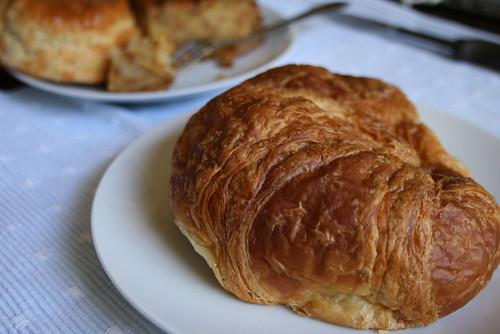 croissant - CASA LATINA