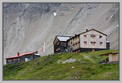 Memminger Htte (Cold Mountain) Tags: mountain lake htte hut lechtal memminger