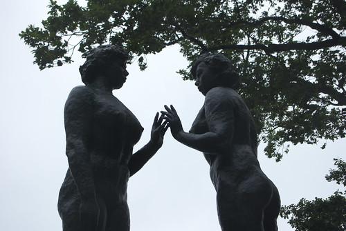 Statue of maidens (十和田湖乙女の像)