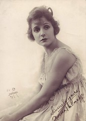 Norma Talmadge, Sincerely yours (Susie Bright) Tags: actors northdakota celebrities headshots fargo autographs 1900s nickelodeon charliechaplin actresses moviestars classicmovie lilliangish silentmovies silentfilms susiebright signedphotos williamshart hollywoodhistory hollywoodblvdstar agneswilliams