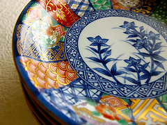 ARITA PORCELAIN (karaku*) Tags: red color art japan table pattern dish pentax pottery porcelain ware japanesepattern ceramiche arita k100d