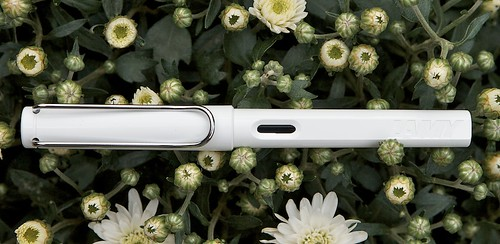 Lamy Safari White LE