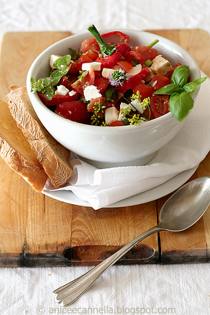 zuppa fredda di pomodorini e feta