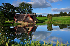 Boat House, (Janek Kloss) Tags: county ireland house water reflections river boat photo spring nikon perfect fotograf photos tourist irland eire rye fotka carton 121 fotografia maynooth relfection attraction zdjecia irlanda kildare ierland cokin j23  d90 zdjecie fotki irlandia nd4   hwdp  lirlande fotosy    moli516