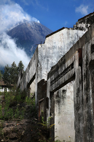 IMG_0346-w Merapi Volcano and the destroyed houses