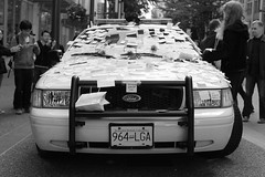 Some love for the VPD 01 (stuartlangfield) Tags: canada love thanks vancouver canon riot bc respect britishcolumbia postit police honor note 5d stickynotes fordcrownvictoria vancouverbcpoliceservices
