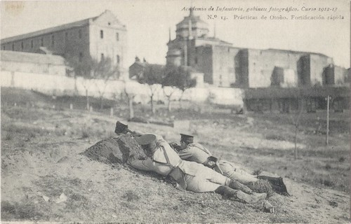 Maniobras de entrenamiento militar en la Escuela de Gimnasia de Toledo en 1912