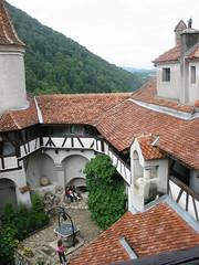 Binnenkoer van het schitterende Bran kasteel