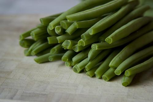 Green beans, trimmed