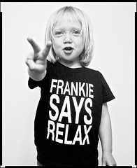 Frankie Says Relax (::big daddy k::) Tags: love frankie cutekid peacesign richardavedon frankiegoestohollywood frankiesaysrelax project365 childrenareourfuture lovethislittlegirl peaceandhappiness project3661
