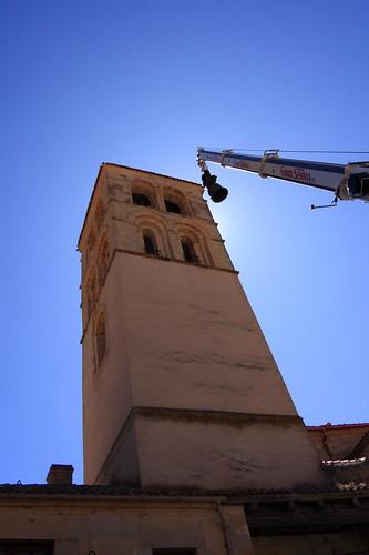 Torre, campana y grua