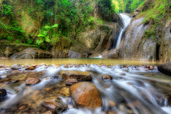 Chiling Waterfall (buyie - think and shoot !) Tags: canon landscape waterfall sigma malaysia slowshutter 1020 alam chiling sigma1020mm cantik kualakububharu kualakubu tonemapped 40d kkb huluselangor theunforgettablepictures sesumpah hdraward annamir buyie peretak theuniquephotographer luarbiasaphotography theuniquephotographe