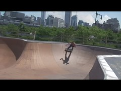bs_air_34st (**paul_clark**) Tags: paulclark backsideair helibowl 34thstskatepark skateboardingnyc