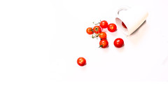 Tomato Spill (jibbit) Tags: red food white tomato 50mm juicy nikon tomatoes round mug pocketwizards d700 sb900