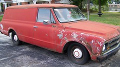 Chevrolet C-10 Panel - $4000 (Uniquester) Tags: old chevrolet truck junk forsale wheels rusty chevy cocacola jalopy chevroletc10 bowlinggreenky chevyc10 paneltrucks