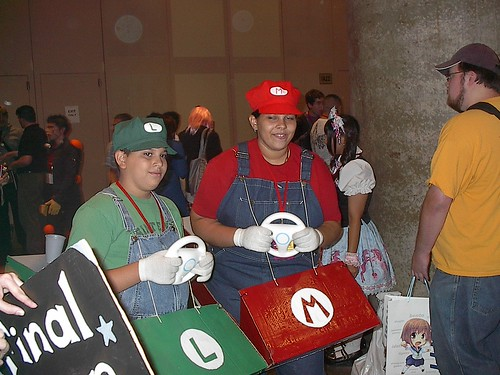 Mario and Luigi cosplay