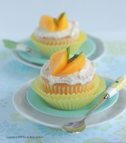 Peach Cupcakes_6115blog